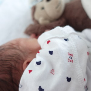 生後2ヶ月からネントレ!赤ちゃんがセルフねんねできるようになる寝かしつけ方法